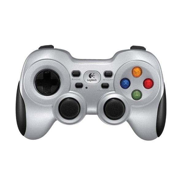 Logitech F710 wless gamepad a PlayIT Store-nál most bruttó 15.999 Ft.
